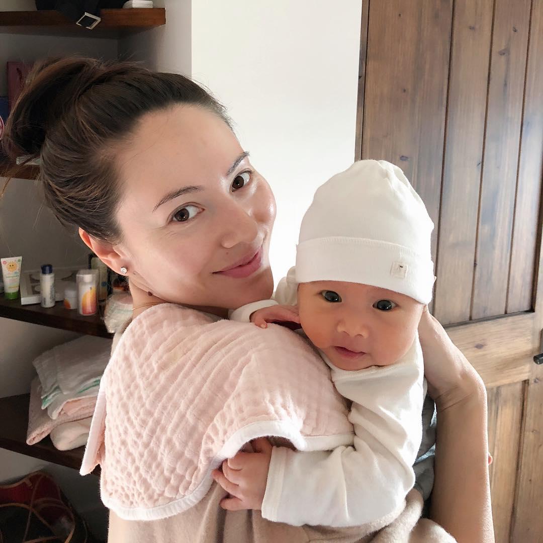 赤ちゃんと道端ジェシカ