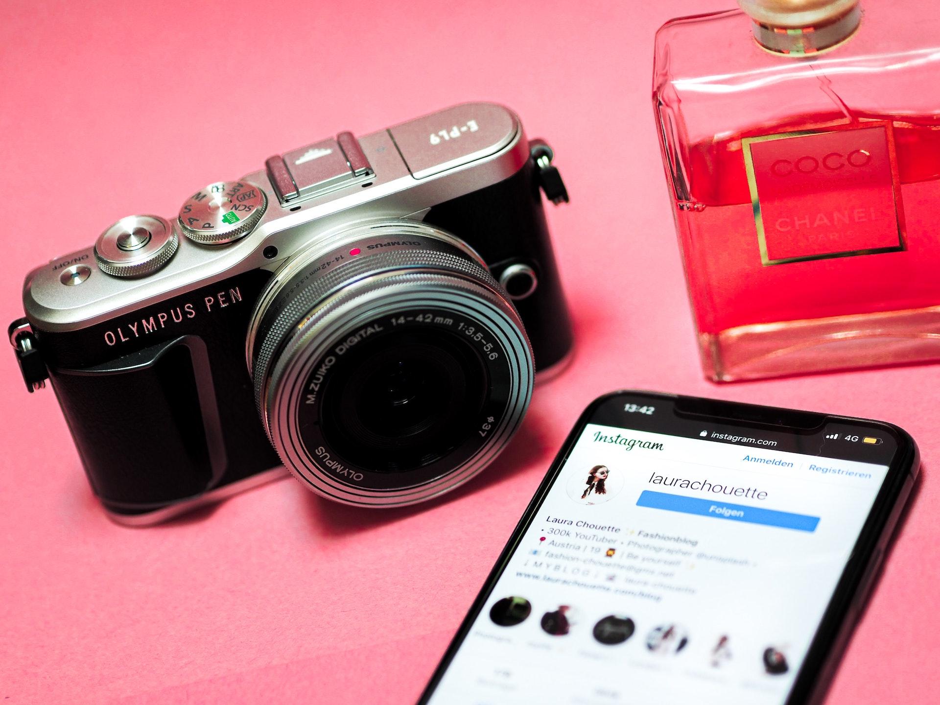 インスタグラムとカメラ
